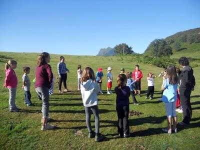 Juegos en la naturaleza con Txiribuelta