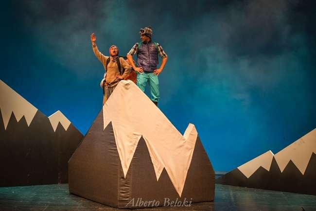 Sorteo de dos entradas dobles para la obra de teatro familiar «mendi tontorrean» en el Amaia Kz de Irun