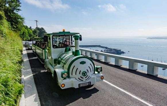 Vuelve el tren verde de Hondarribia durante julio y agosto