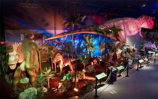 Dinosaurs tour, exposición de Dinosaurios llega al parking del cc Urbil