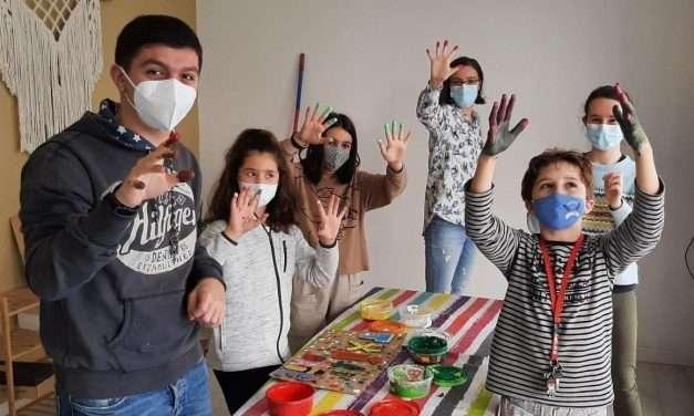 Txiri-arte: artes plásticas y experimentación